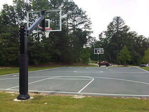 outdoor basketball court where outdoor basketball shoes should be worn